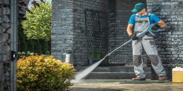 How to maintain a wall mounted pressure washer