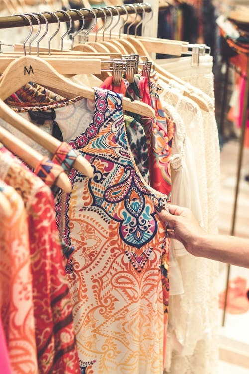 5 Factors to Consider When Buying Women Dresses